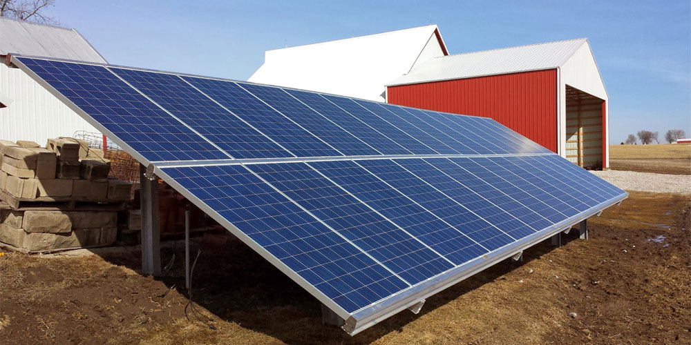 Ground rack solar panel installation on a farm in Grinnel, IA