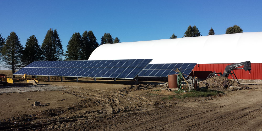 A split ground rack solar panel installation in Grinnel, Iowa